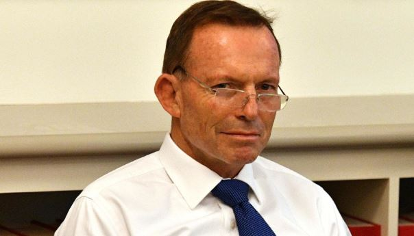 Is Tony Abbott Exploiting Young Workers With Unpaid Internships?